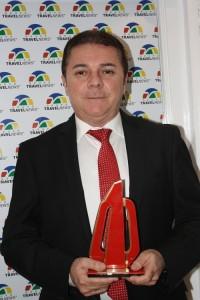Eliseu Barros, representando o Marina Park durante a premiação