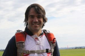 Thiago Peretti. Proprietário da Skydive Foz é uma referência no esporte e preza pela qualidade e tecnologia de ponta