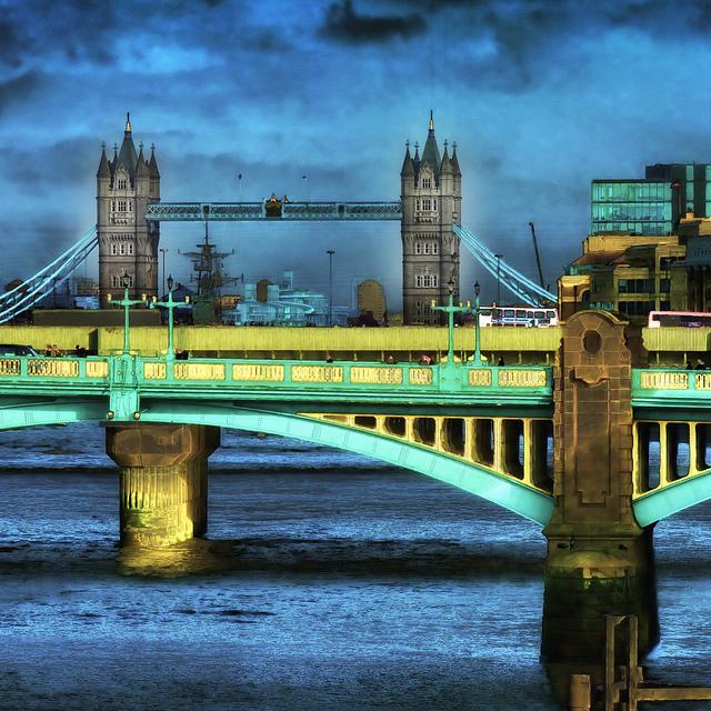 LONDON D
