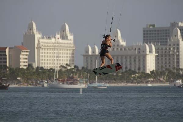 Hi-Winds Kitesurfe Free style