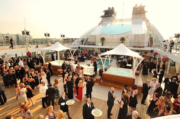 Yachts of Seabourn : Seabourn Sojourn Inaugural Events : Poolside Party & Cocktails