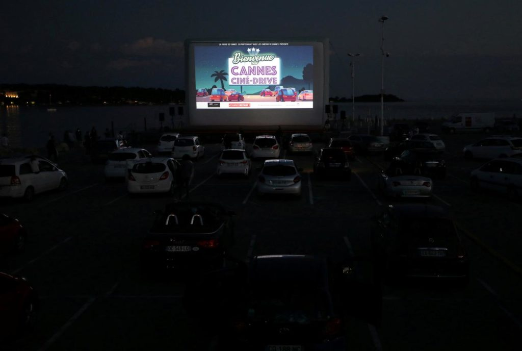 sem-festival-cannes-lanca-cinema-dentro-dos-carros-com-pipoca-e-mascaras